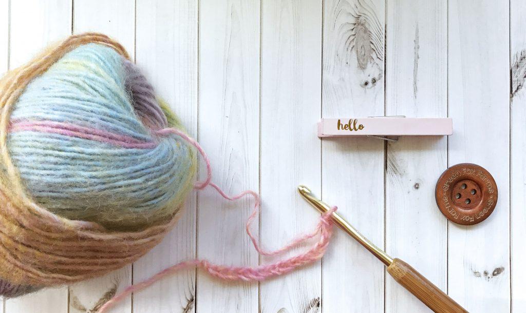 yarn hook button