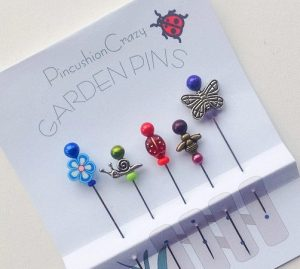 5 decorative straight pins with flower and insect toppers