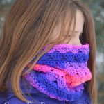 Sweet Stripes Circle Scarf Free Crochet Pattern https://greenfoxfarmsdesigns.com/sweet-stripes-circle-scarf-free-crochet-pattern