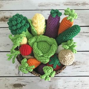 Farmers Market Veggies - Amigurumi Pattern - Crochet Veggies Pattern - Amigurumi Vegetables - Crochet Pattern - www.greenfoxfarmsdesigns.com