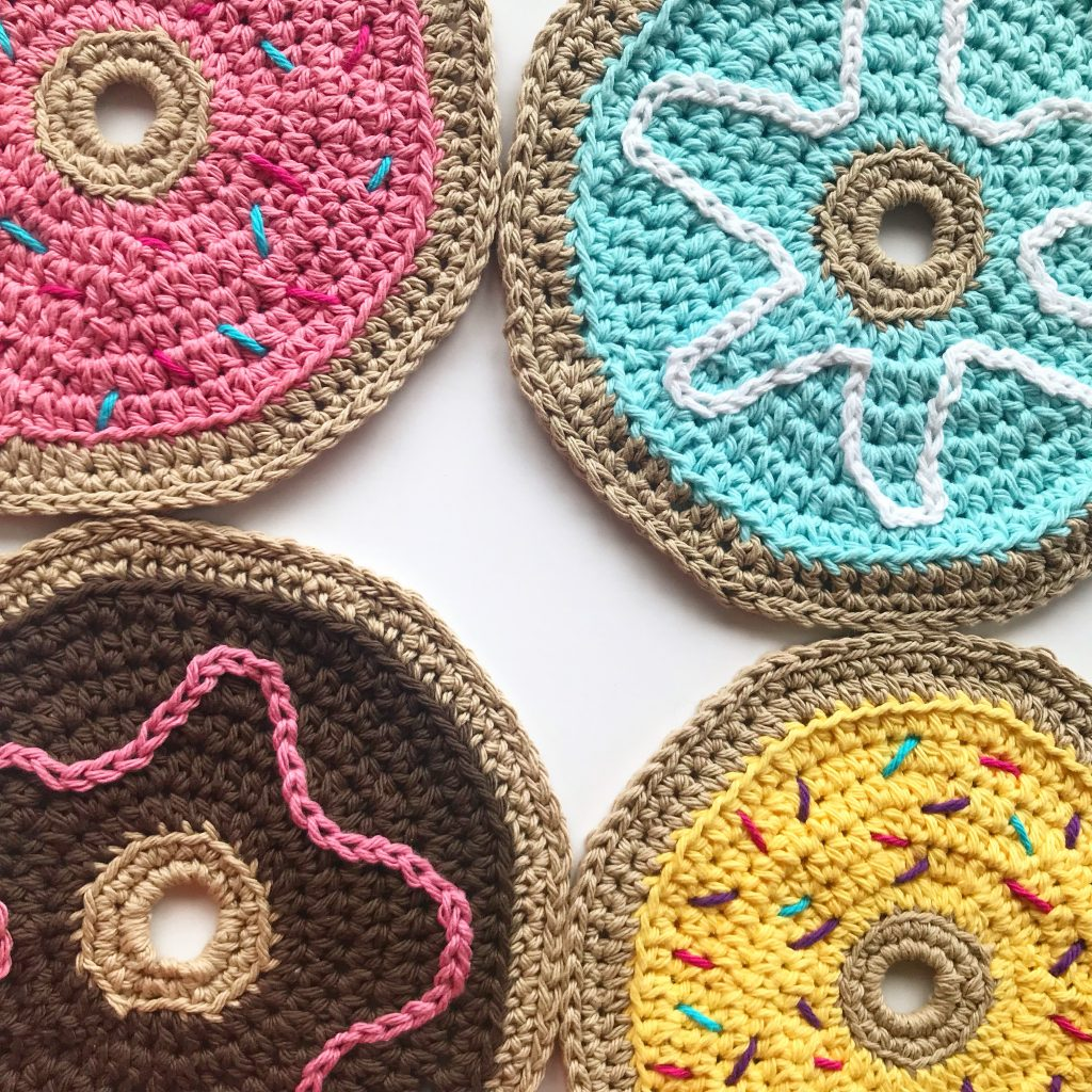 How To Crochet An Easy Donut Keychain-Free Pattern | Crochet ... | 1024x1024