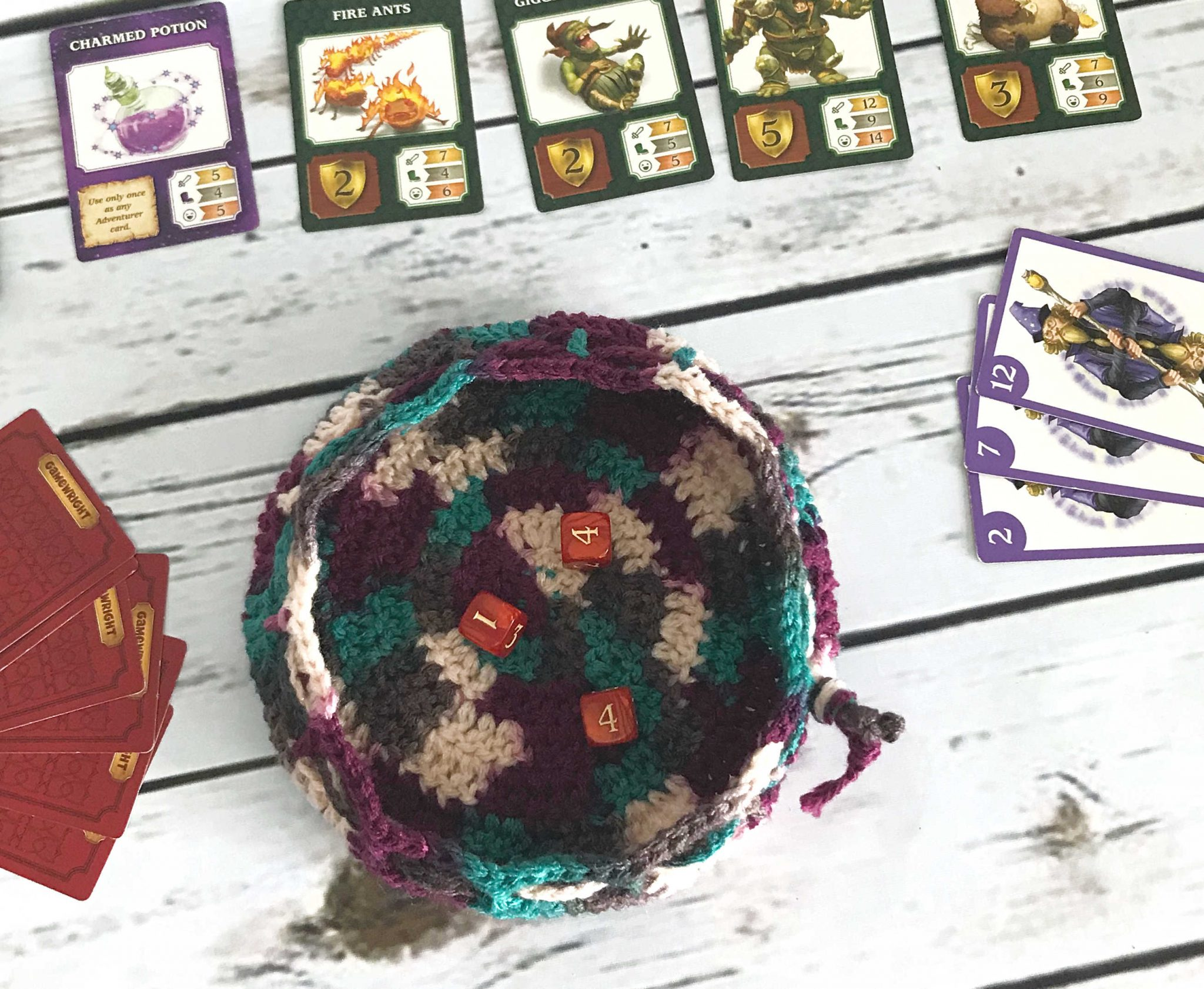 DC Dice Bag and Tray – Free Crochet Pattern