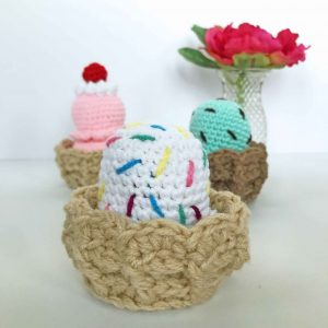 Ice Cream Sundae - Ice Cream Cone - Crochet Pattern - Amigurumi Pattern - Play Food - Amigurumi food - Crochet - www.greenfoxfarmsdesigns.com