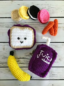Back to School Amigurumis Crochet Pattern - Crochet Pencil - School Supplies Pattern - Play Food - Peanut Butter and Jelly - Amigurumi Pattern - Back to School Pattern - Teacher Gift - www.greenfoxfarmsdesigns.com